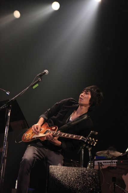 Gtr:三井律郎(from THE YOUTH, LOST IN TIME)